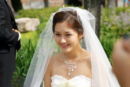 日韩明星婚纱美图 - 水无痕 - 明星后花园