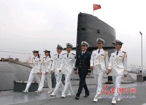 中国海军北海舰队官兵试穿07式新军装图片