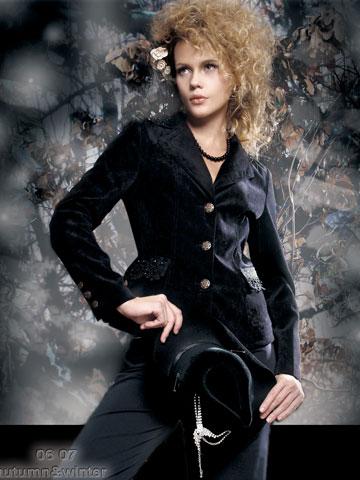 都市高端时尚的设计师品牌依维妮女装诚邀加盟