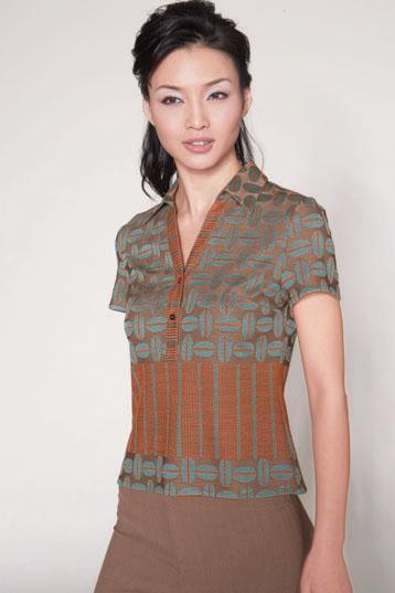 百姓罗衣女装品牌诚邀您免费加盟!07年春夏产品图片己在网上发布